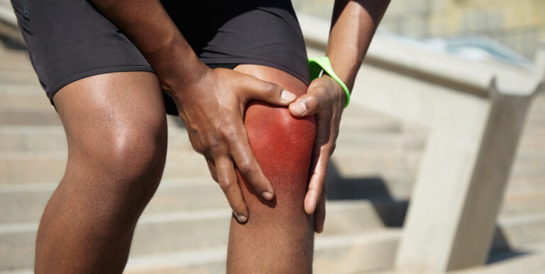 膝蓋痛吃「軟骨素」?專家告訴你功效、副作用、怎麼吃最有效